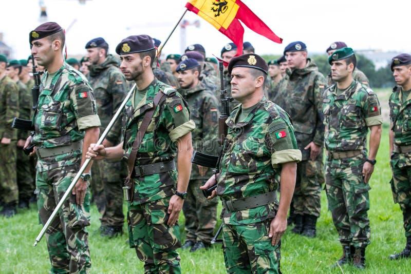 Soldats portugais de l'OTAN image stock