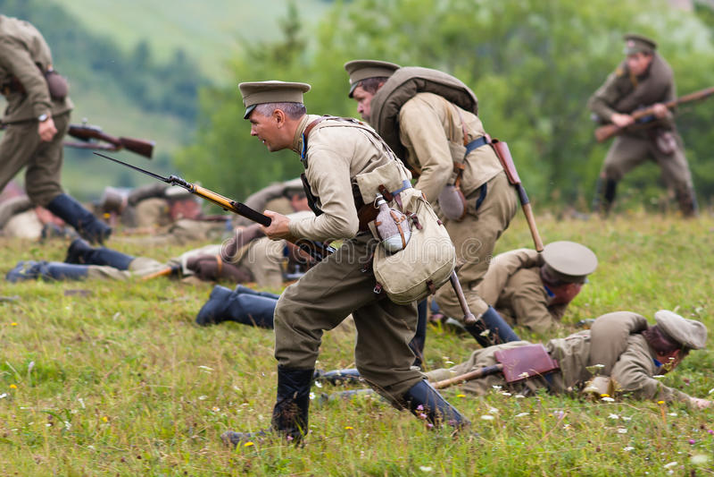 Soldats russes de la première guerre mondiale dans la bataille image libre de droits