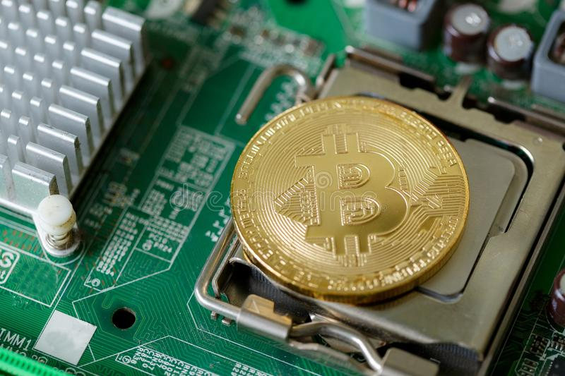 Soldi globali di web di Digital Cryptocurrency Bitcoin fotografia stock libera da diritti