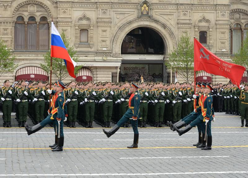 Soldiers of the honor guard of a separate commandant regiment of the Transfiguration bear the banner of Victory. MOSCOW, RUSSIA - MAY 9, 2019: Soldiers of the stock image