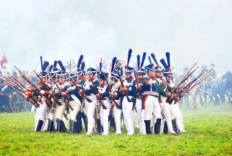 Download Soldiers Ready To Attack At Historical Reenactment Editorial Stock Image - Image: 26430214