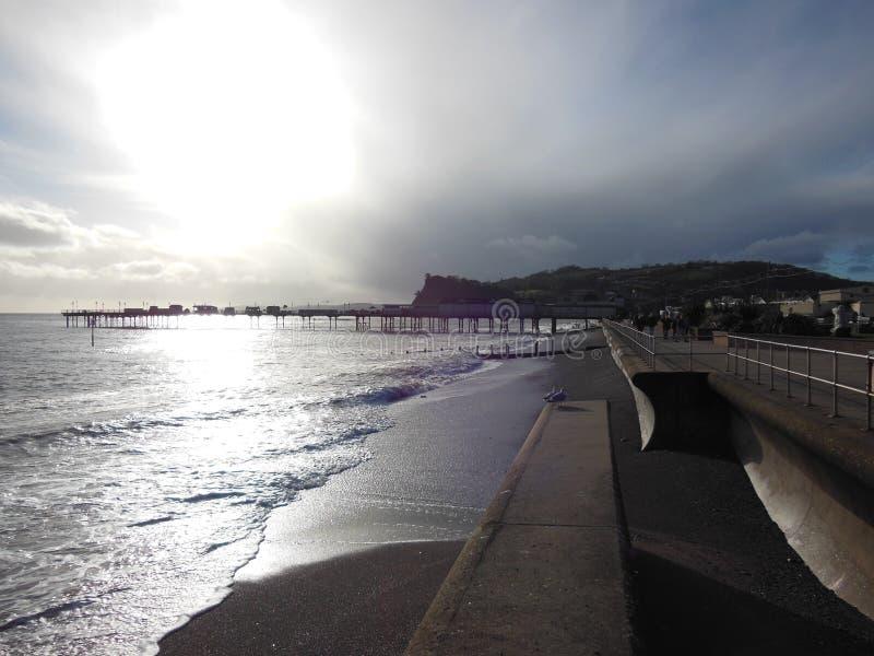 Sole alla spiaggia immagini stock