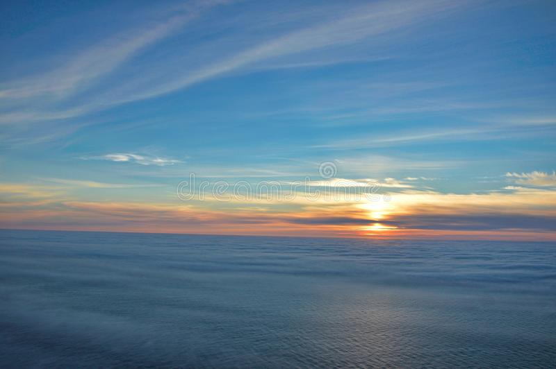Sole di mezzanotte a Nordkapp fotografia stock libera da diritti