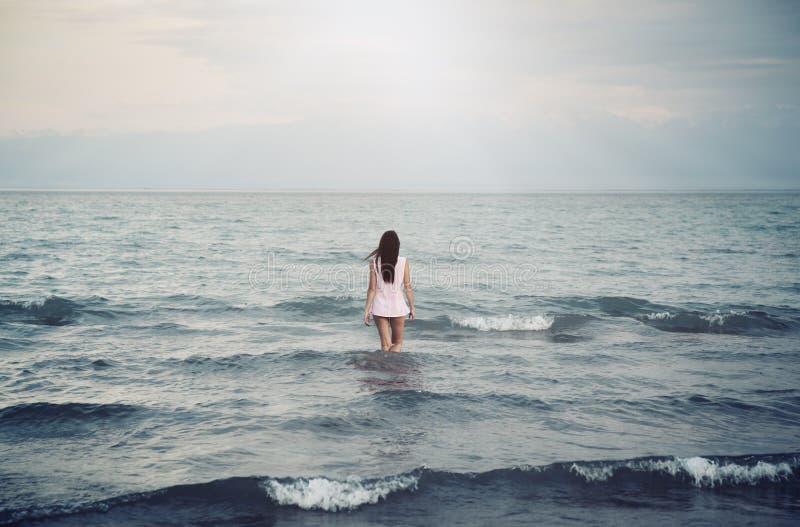 Soledad en el mar fotos de archivo