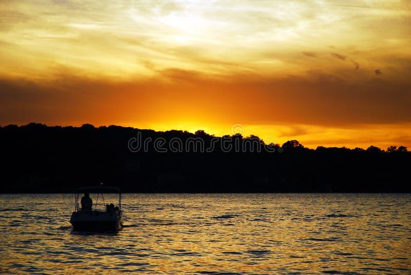 Soledad en la puesta del sol fotos de archivo libres de regalías