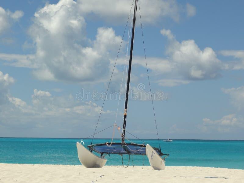 Soleil soleil назначения plage бирюзы Iles более voilier стоковые изображения rf