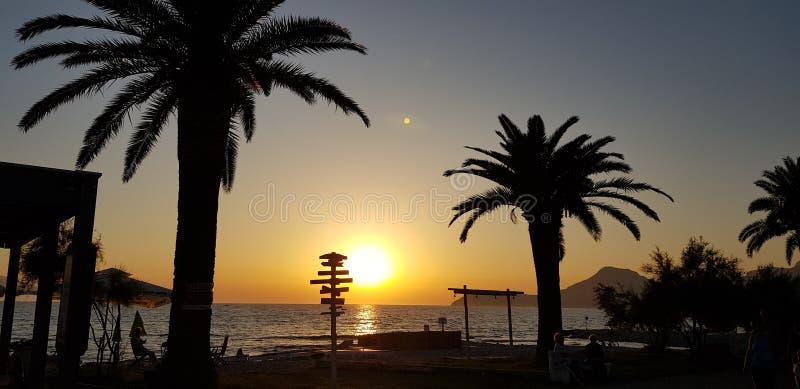 Soleil dévalant au Monténégro image libre de droits