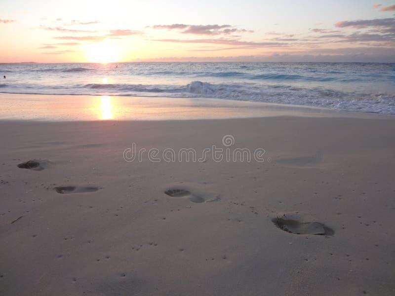 Soleil do plage de turquesas de Coucher Soleil Iles imagem de stock