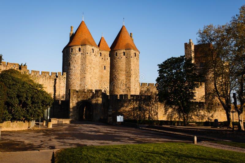 Soleil sur le château Comtal à Carcassonne médiévale photo libre de droits