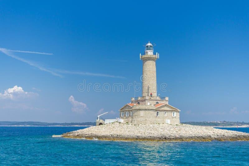 Solen havet, blå himmel, trevligt väder - är en ferie royaltyfri fotografi