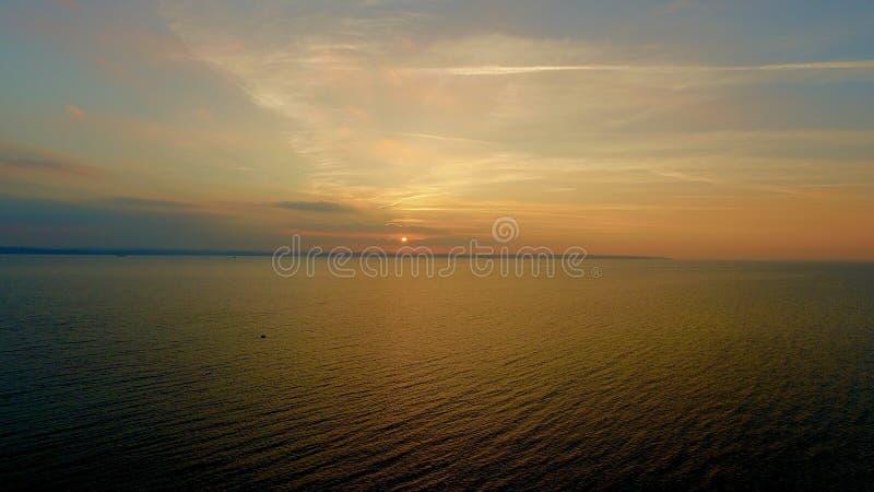 Solent solnedgång royaltyfria bilder