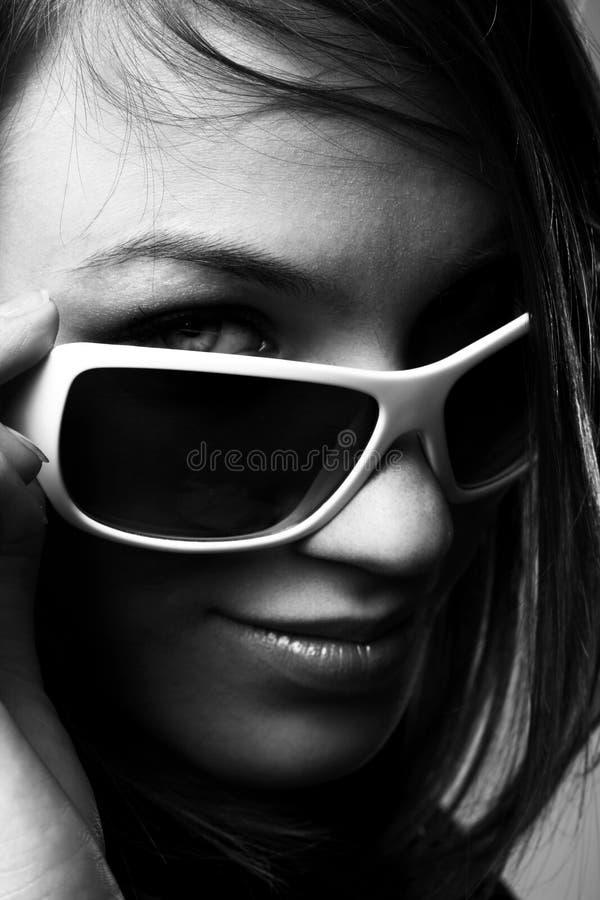 solglasögonkvinna fotografering för bildbyråer