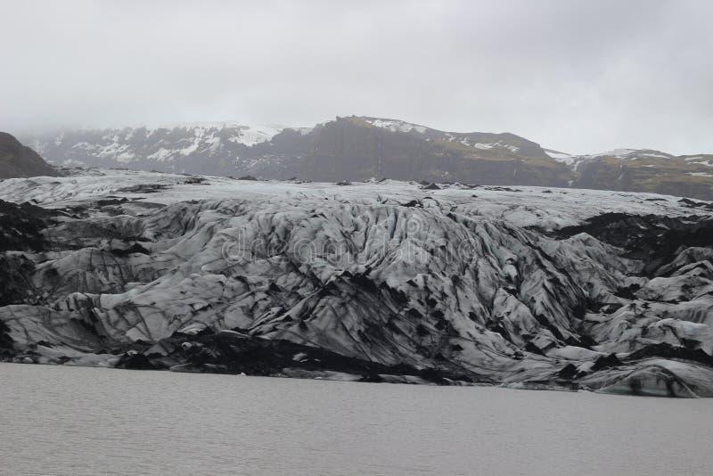 Solheimajokull ледник в южной Исландии, между вулканами Katla и Eijafjallajokkull Часть большого стоковое изображение