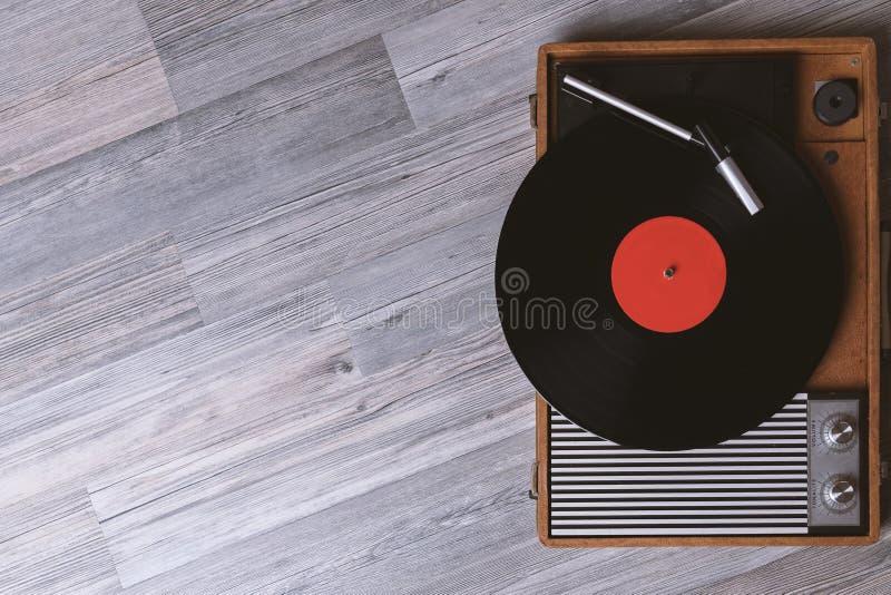 Solid teknologi f?r att discjockeyn ska blanda & som spelar musik royaltyfri bild