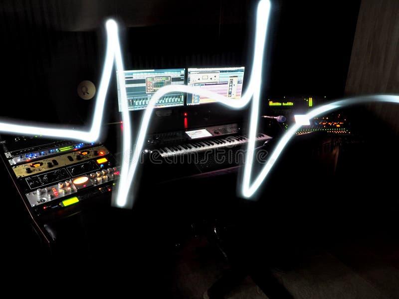 Solides Tonstudio mit Musik-Fahrtenschreiber lizenzfreie stockbilder
