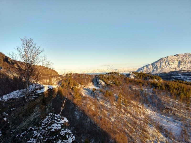 Solig dag i Kvenvik Finnmark royaltyfria foton