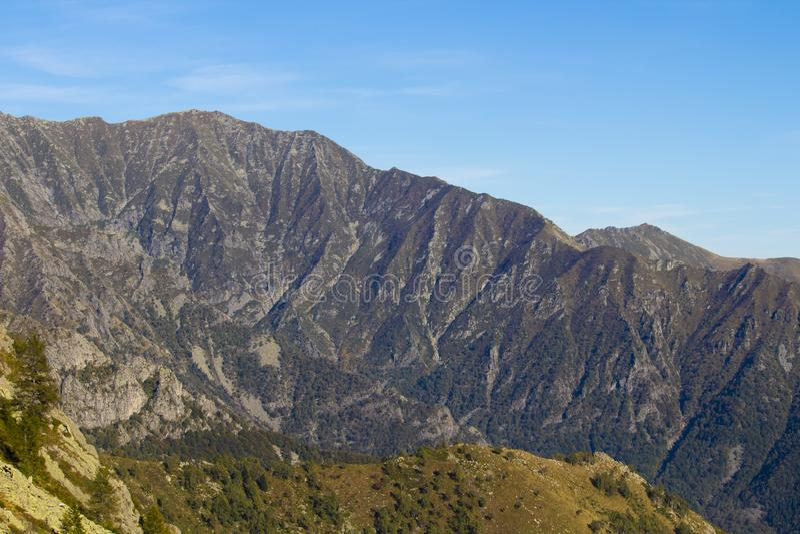 Solig höstdag för berg, Italien royaltyfria foton