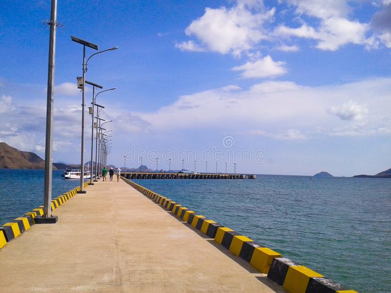 Solig port royaltyfri fotografi