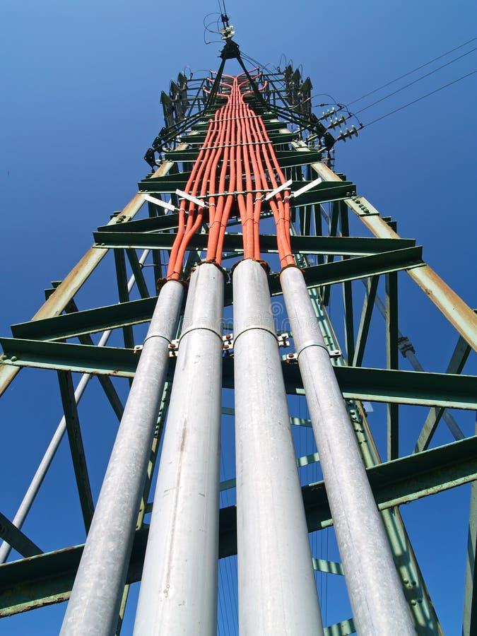 Solitaire elektriciteitspyloon stock foto