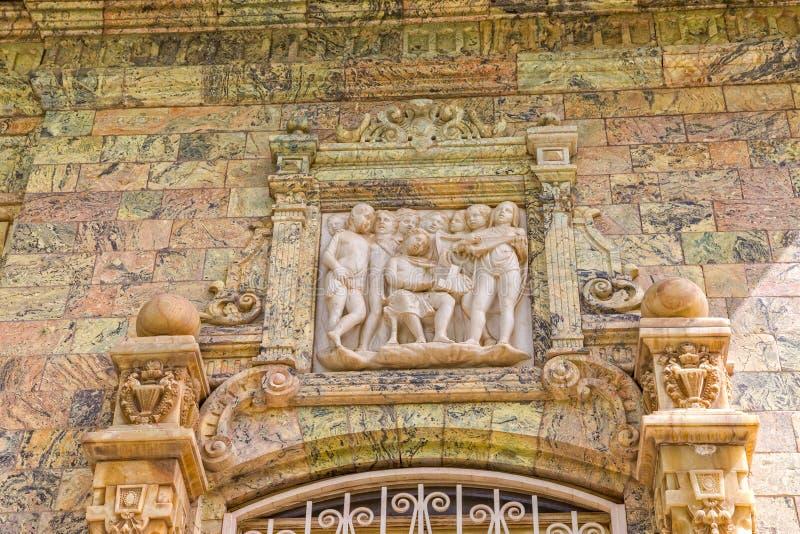 Sollievo del palazzo di Saadabad immagini stock libere da diritti
