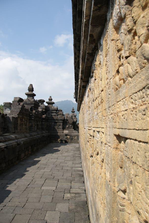 Sollievo o sculture sulla parete del tempio di Borobudur a Jogjakarta, Indonesia fotografie stock