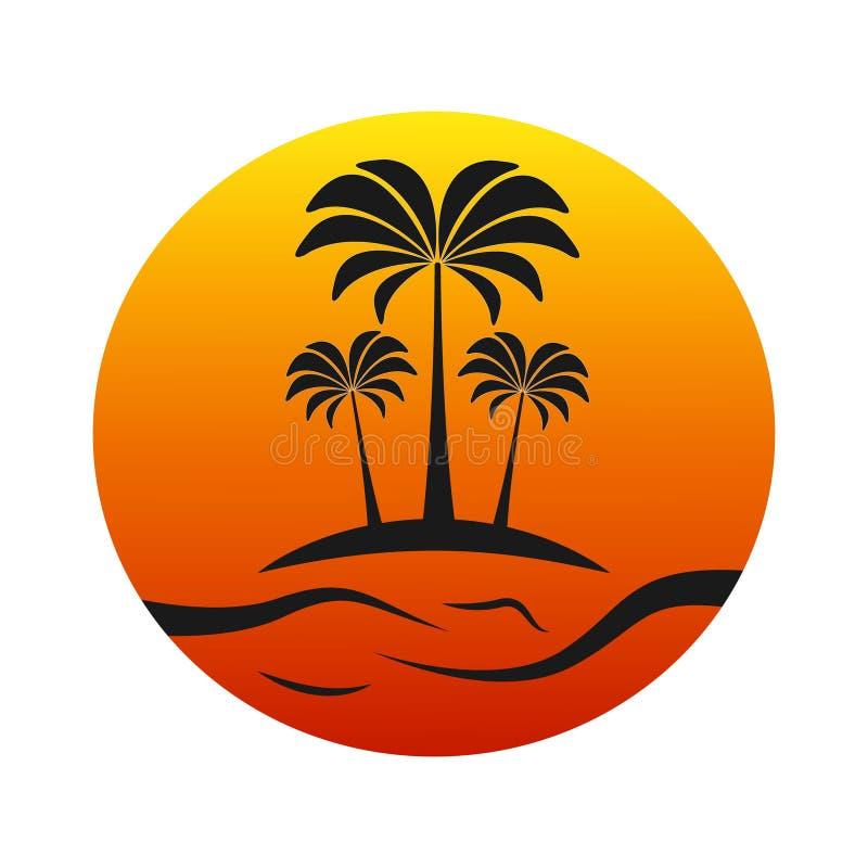 Solnedgångö med palmträd royaltyfri bild