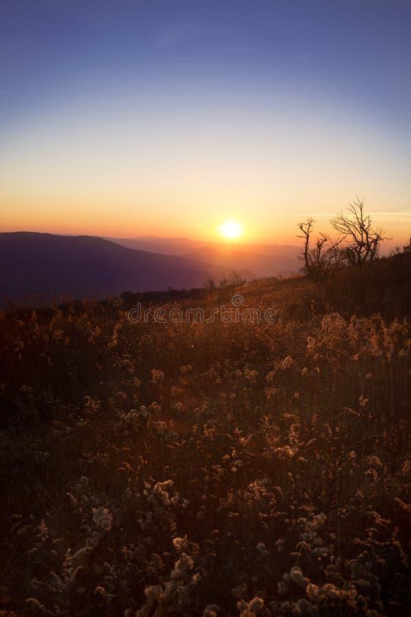 Solnedgång över berg i Virginia fotografering för bildbyråer