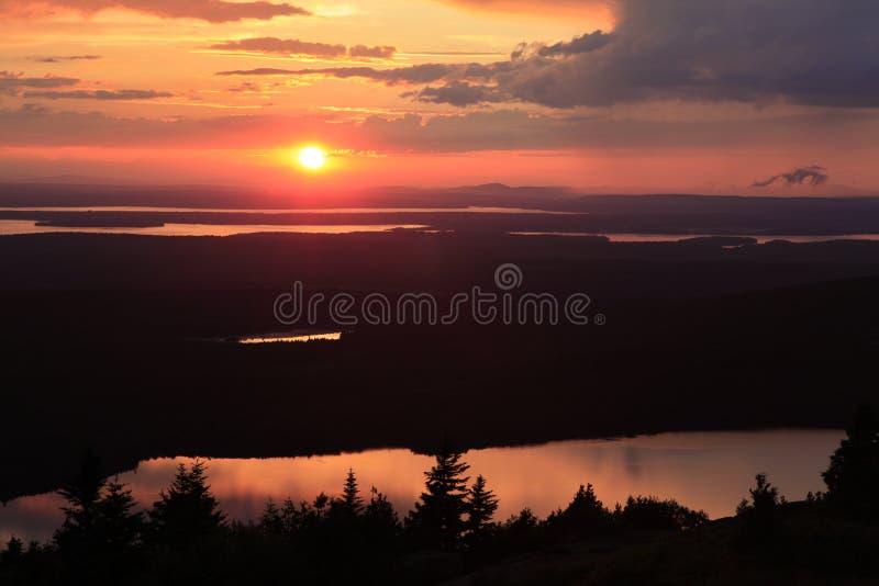 Solnedgång över Eagle Lake, Acadianationalpark royaltyfria foton