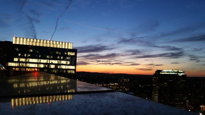 Solnedgång över i stadens centrum Austin fotografering för bildbyråer