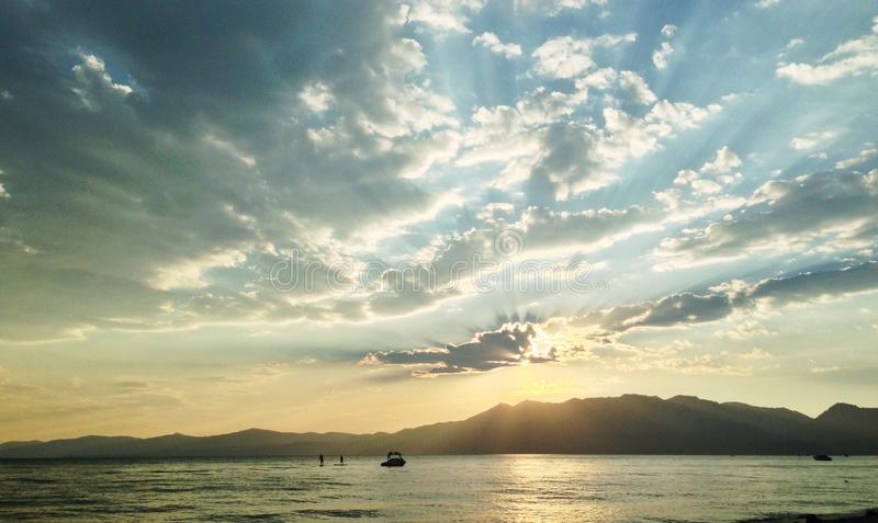 Solnedgång över Lake Tahoe arkivbild