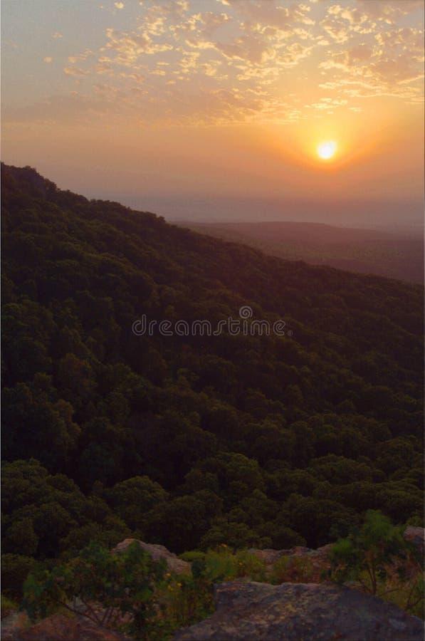 Solnedgång över monteringstidskriften Arkansas royaltyfri fotografi