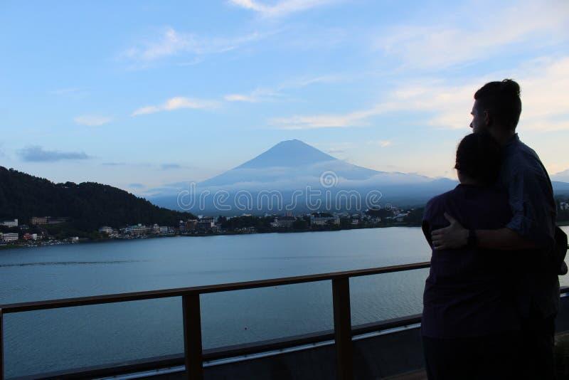 Solnedgång över Mt Fuji 2018 royaltyfria bilder