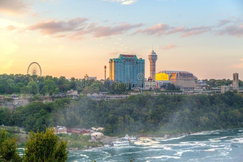 Solnedgång över Niagara Falls i Ontario, Kanada arkivbild