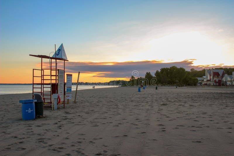 Solnedgång över port dover på Lake Erie arkivfoton
