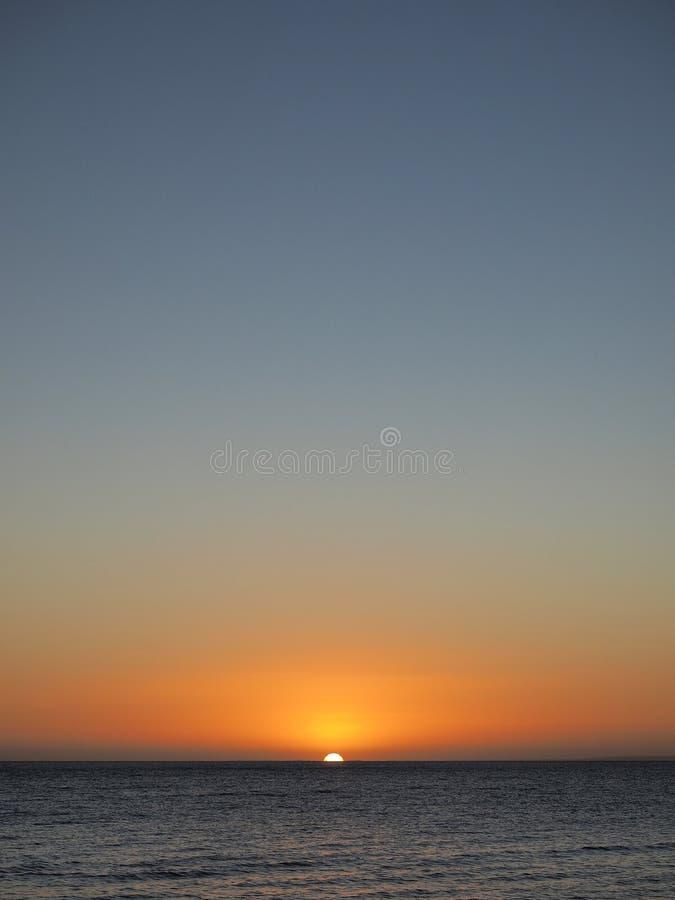 Solnedgång över port Phillip Bay nära Mornington royaltyfri fotografi