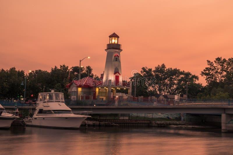 Solnedgång över portkreditering, Mississauga, PÅ, Kanada fotografering för bildbyråer