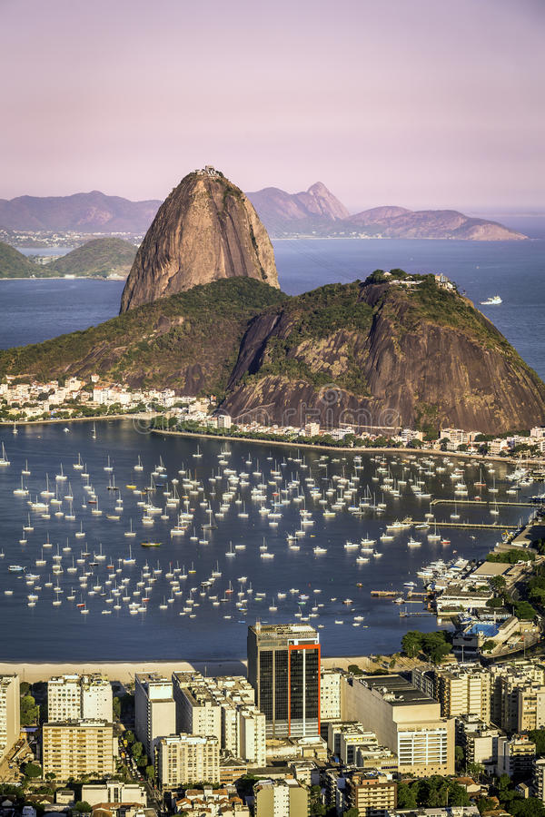 Solnedgång över Rio de Janeiro royaltyfri fotografi