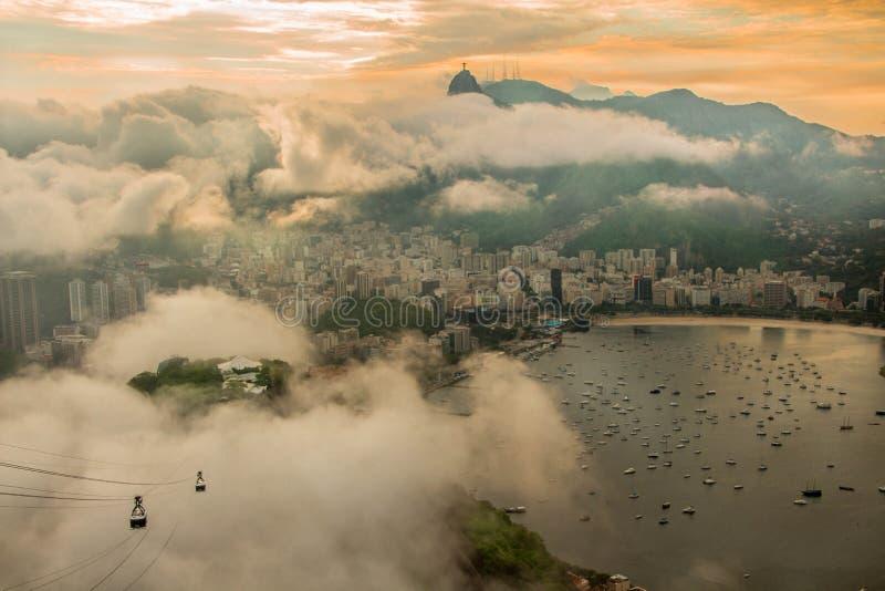 Solnedgång över Rio de Janerio arkivbild
