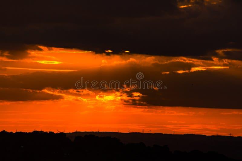 Solnedgång över Tyneside royaltyfri fotografi
