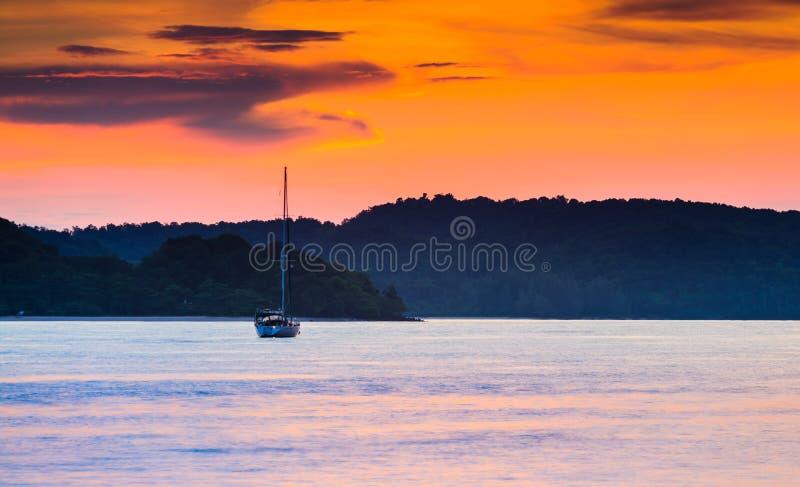 Solnedgång av Langkawi arkivbild