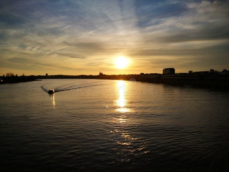 Solnedgång Bordeaux arkivfoto