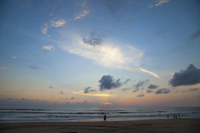 Solnedgång Diveagar strand, Maharashtra fotografering för bildbyråer