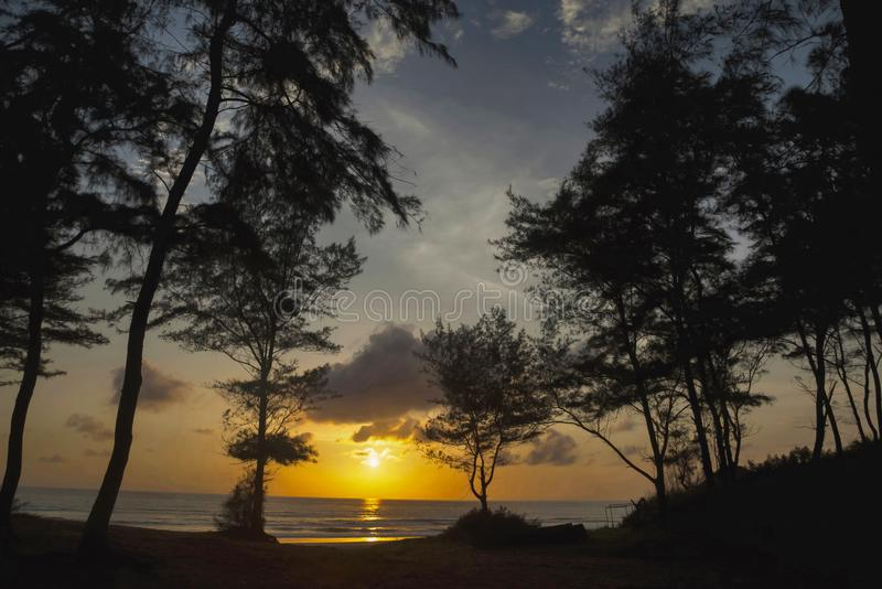 Solnedgång Diveagar strand, Maharashtra arkivfoto