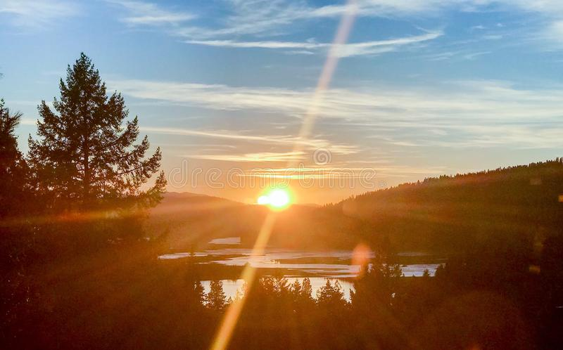 Solnedgång för Coeur d'Aleneflod fotografering för bildbyråer