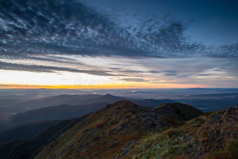 Solnedgång för Mt Buller arkivbild