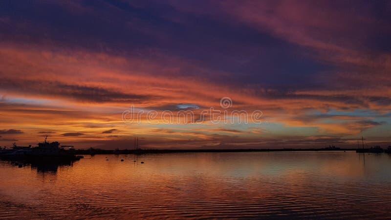 Solnedgång för ` s för Manila fjärd - Filippinerna royaltyfri foto
