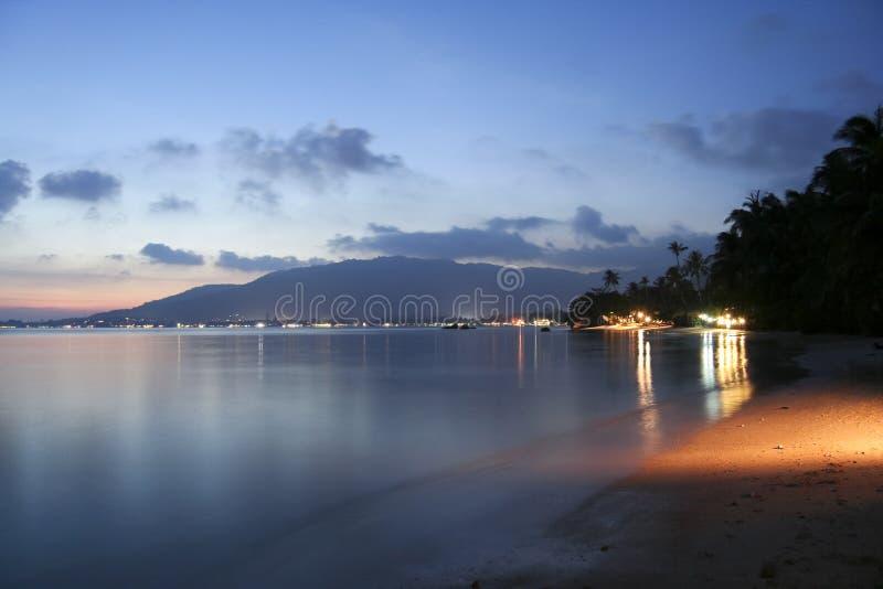 solnedgång för samui för strandkohlamai royaltyfri bild