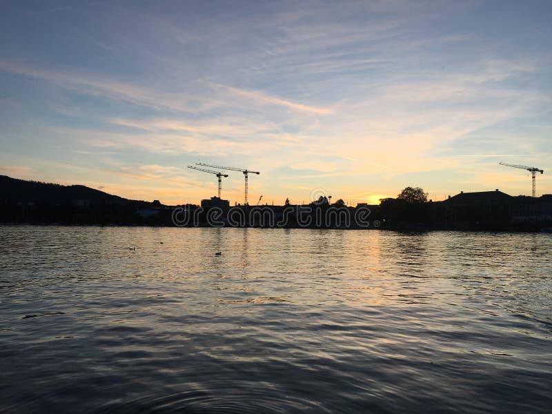 Solnedgång för ZÃ-¼rich royaltyfri foto