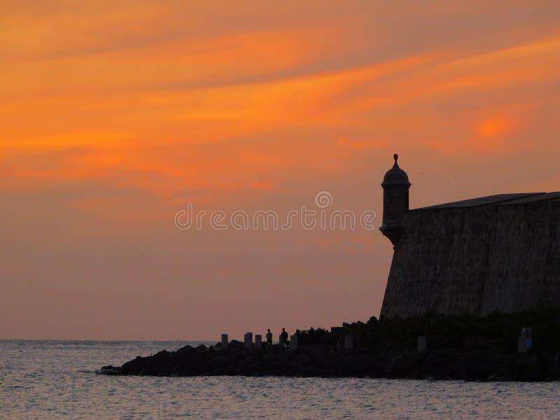 Solnedgång gamla San Juan fotografering för bildbyråer