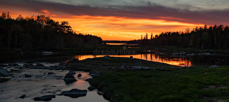 Solnedgång i Acadianationalpark royaltyfri bild
